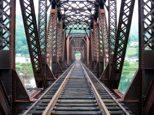 railroad-bridge-965579_1280