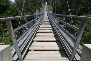 suspension-bridge-389426_1920