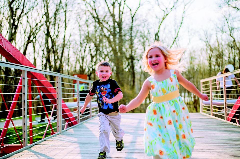kids-running-348159_960_720