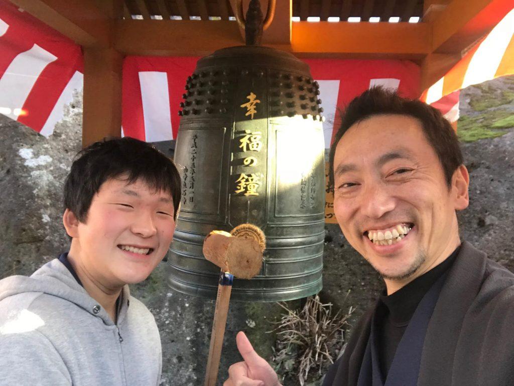 可愛い甥っ子と一緒に、山寺で幸福の鐘をついてきた春